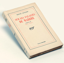 Histoire D Un Livre Sur Les Falaises De Marbre D Ernst
